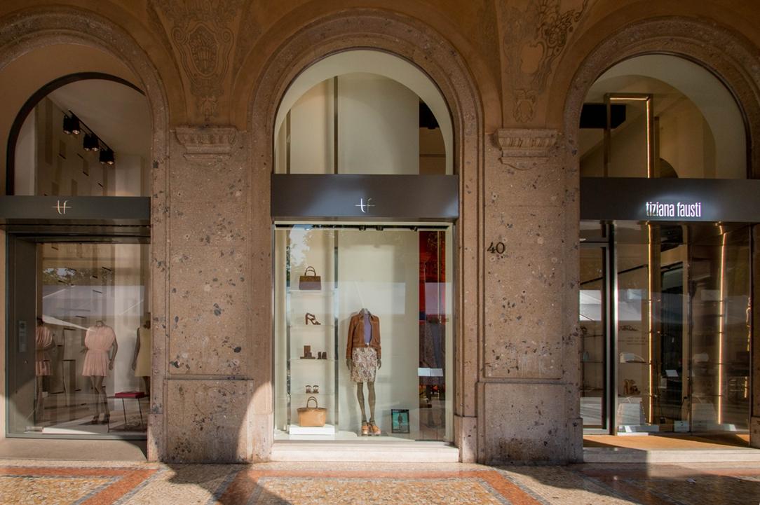 Tiziana Fausti Haute Couture esterno 02