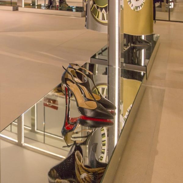 Nel mondo del luxury retail, i white boxes per Tiziana Fausti
