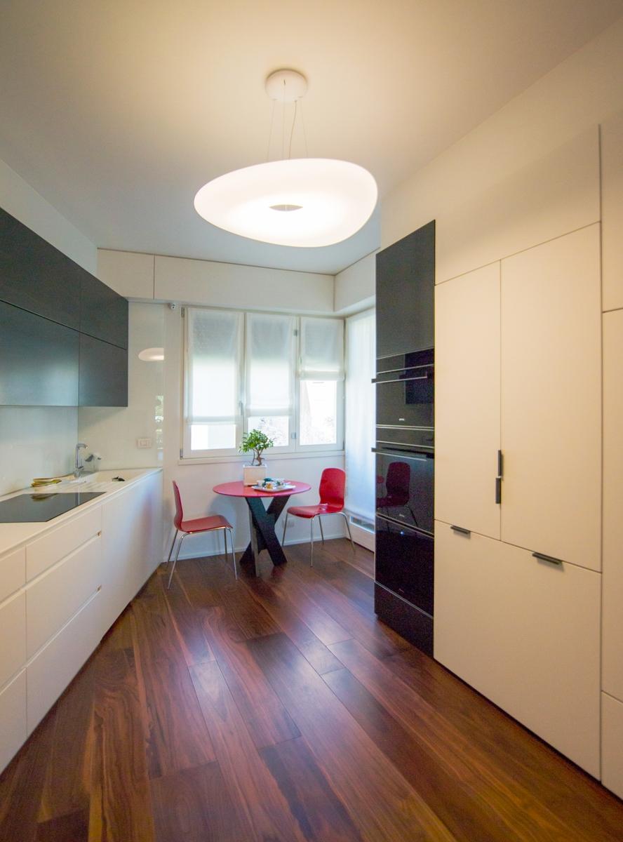 finiture eleganti cucina verticale