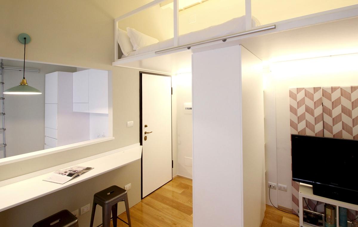 ingresso appartamento minimal Milano