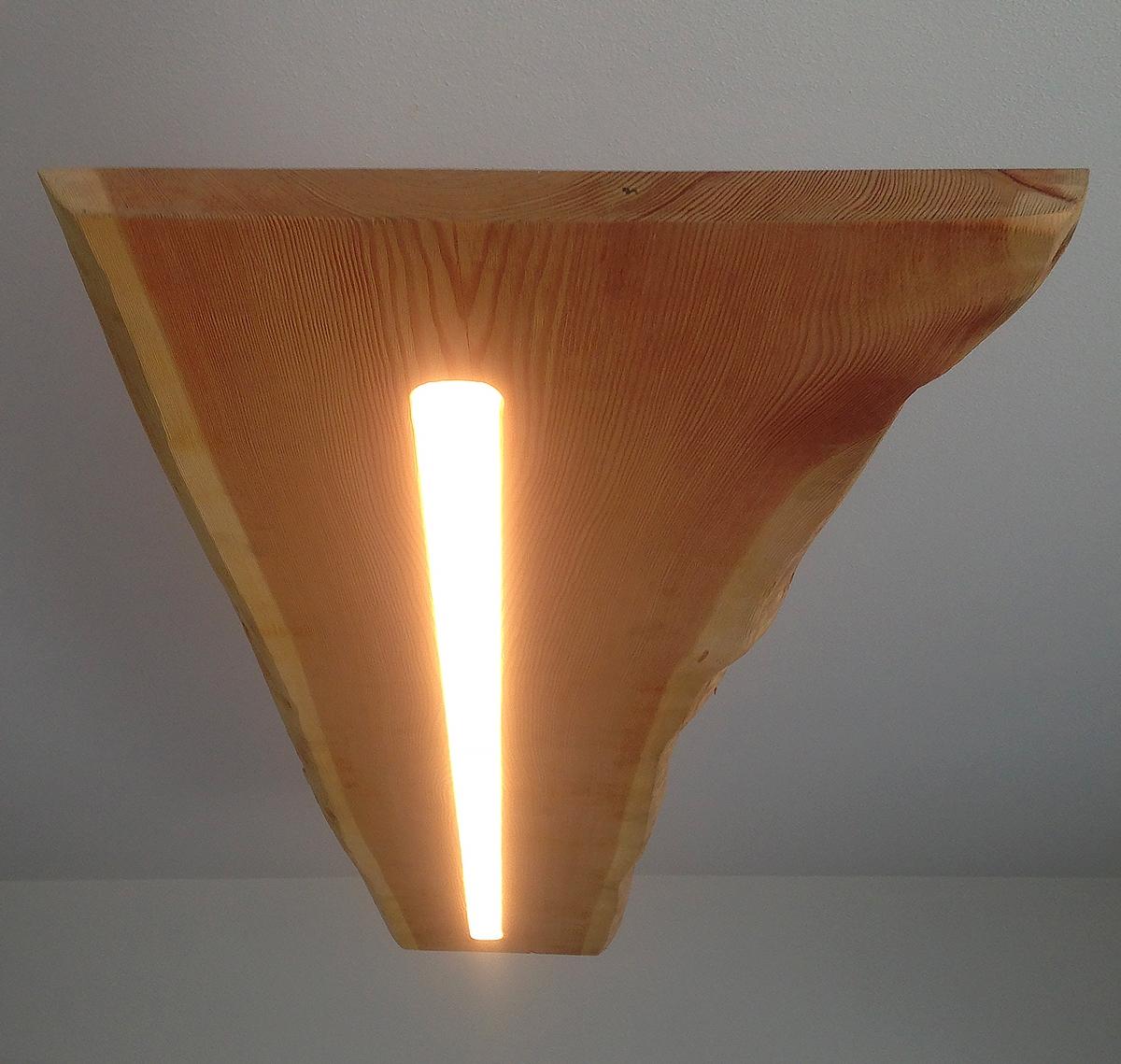 Dettaglio lampadario abete
