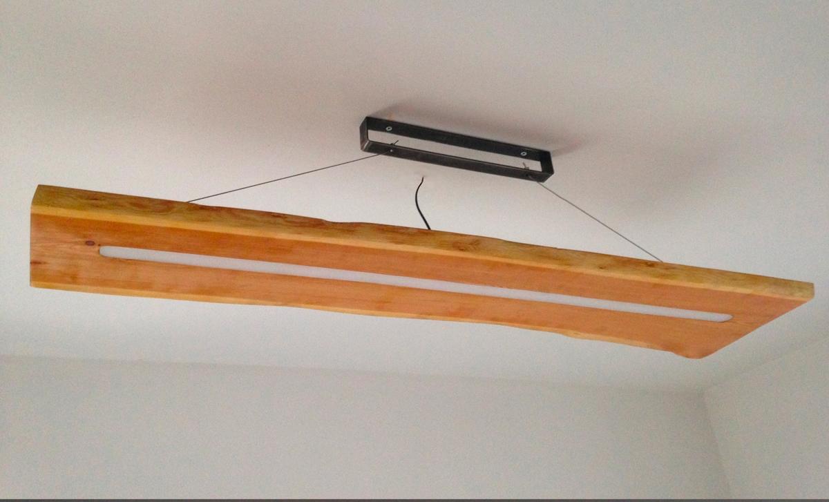 Lampadario legno abete spento