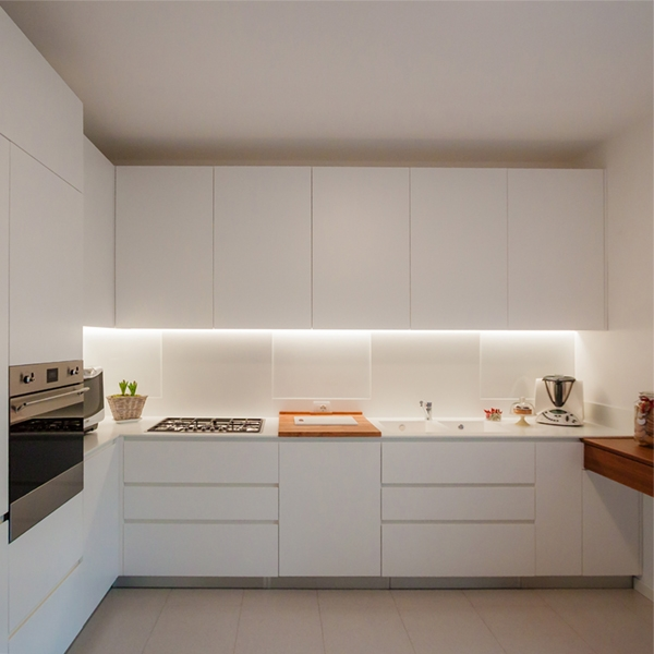 One kitchen a week, part 4: essenziale ed elegante