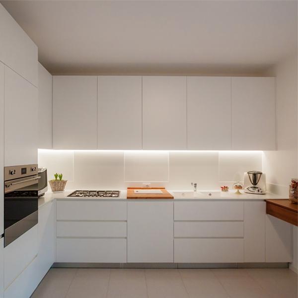 One kitchen a week, part 4: essenziale ed elegante