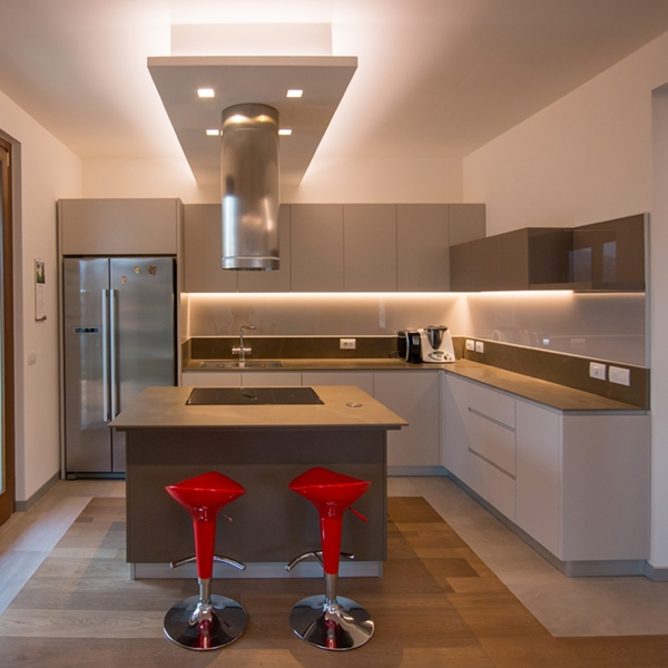One kitchen a week, part 3: hi-tech contemporaneo