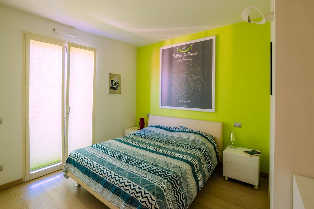 camera da letto vista generale 02