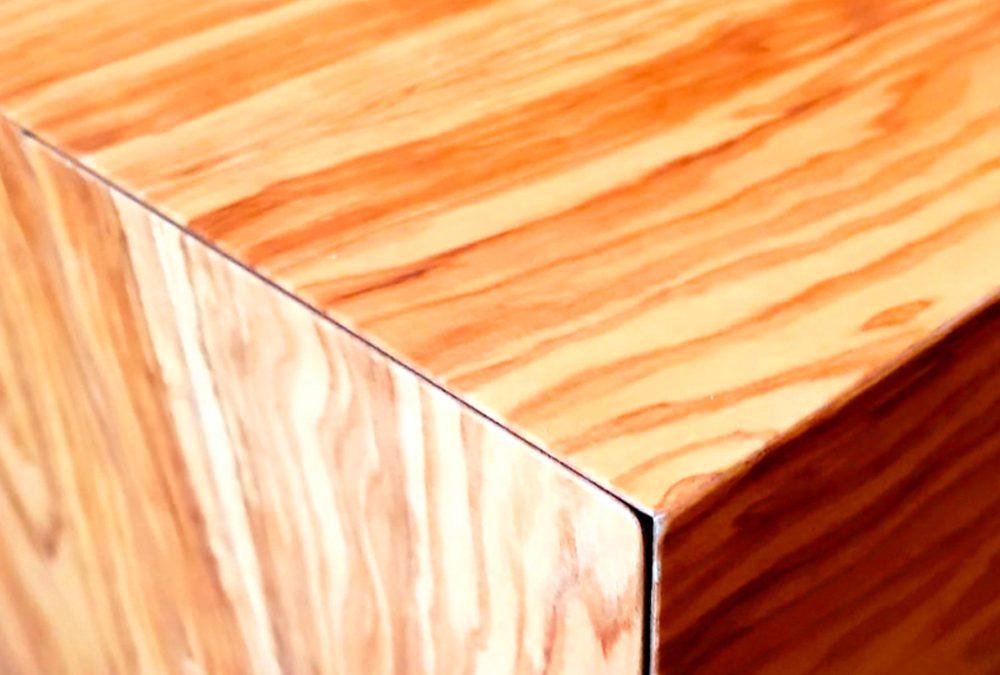 Un ufficio in legno d'ulivo