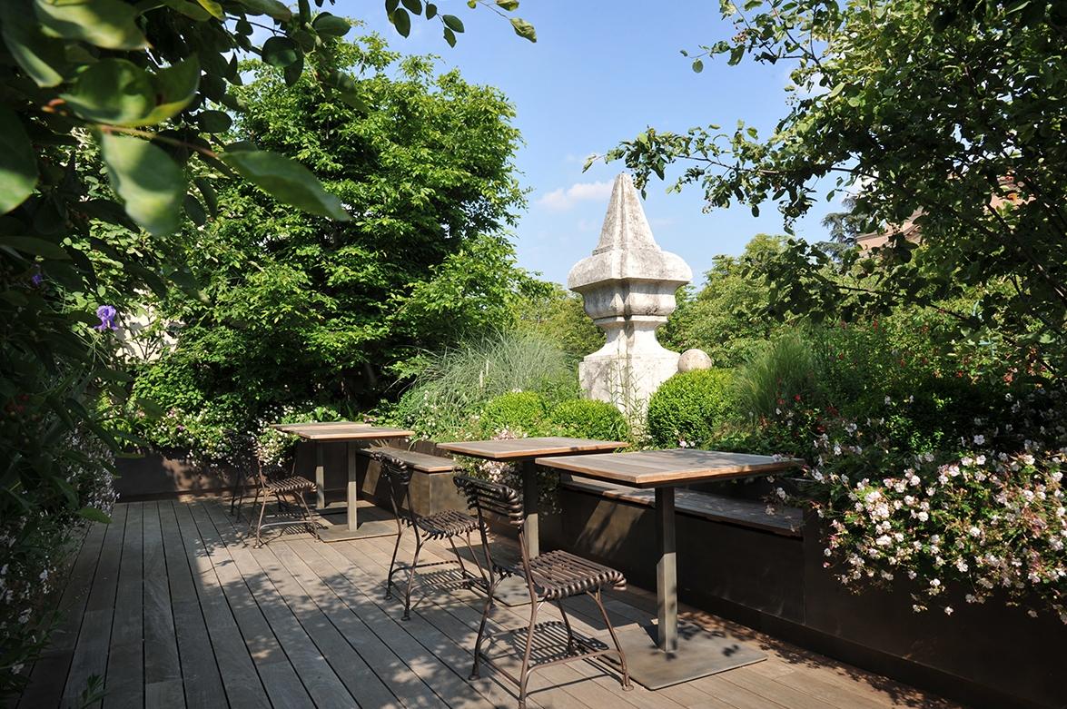 external furniture greenery