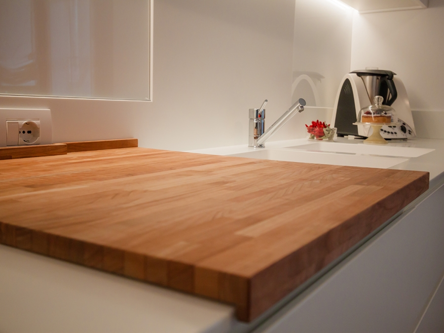 tagliere legno cucina essenziale
