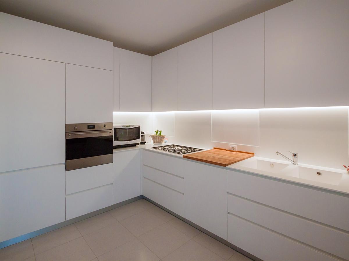 prospettiva cucina essenziale elegante