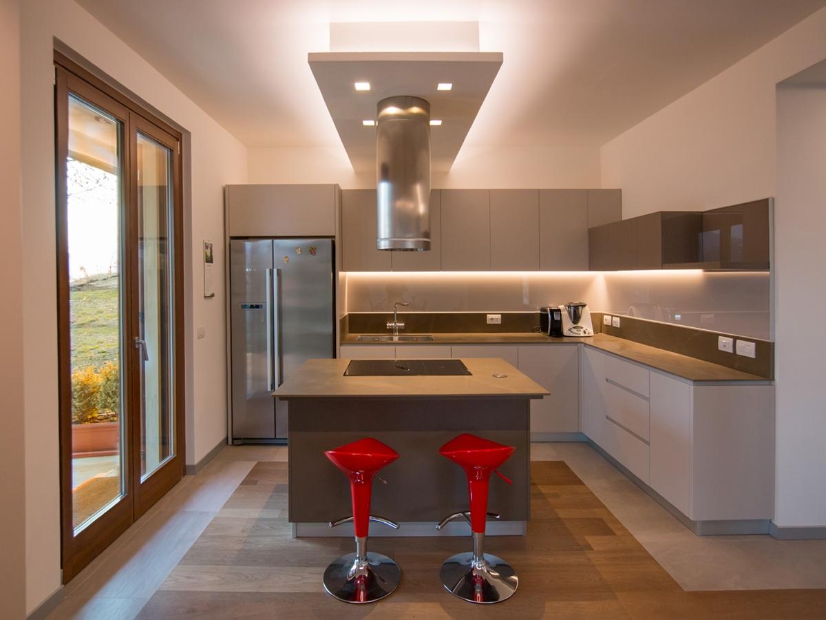 cucina hi-tech vista fronte