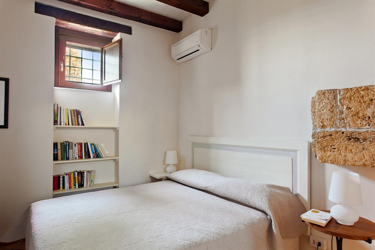 camera villa tradizionale classico moderno