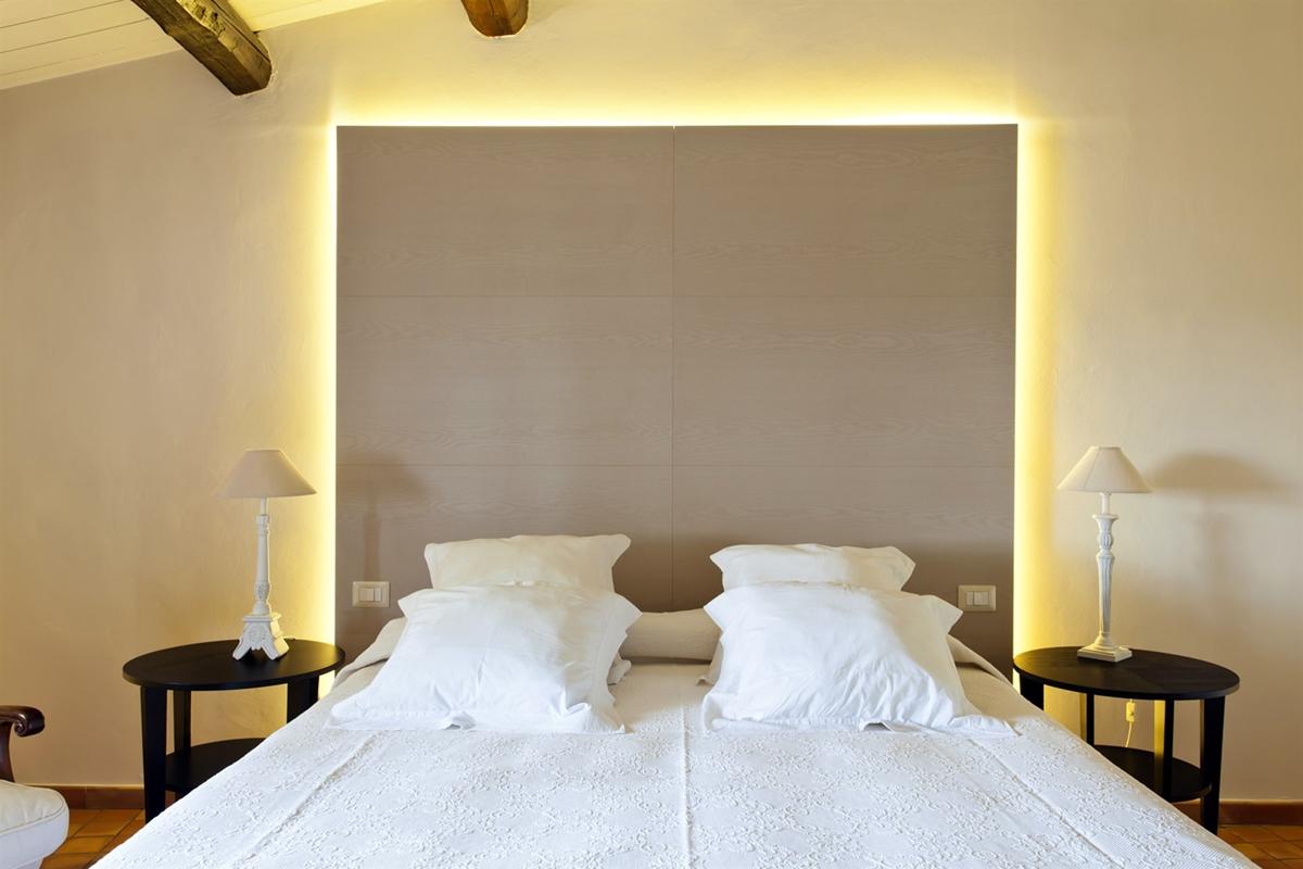 camera matrimoniale villa sicilia fronte illuminazione