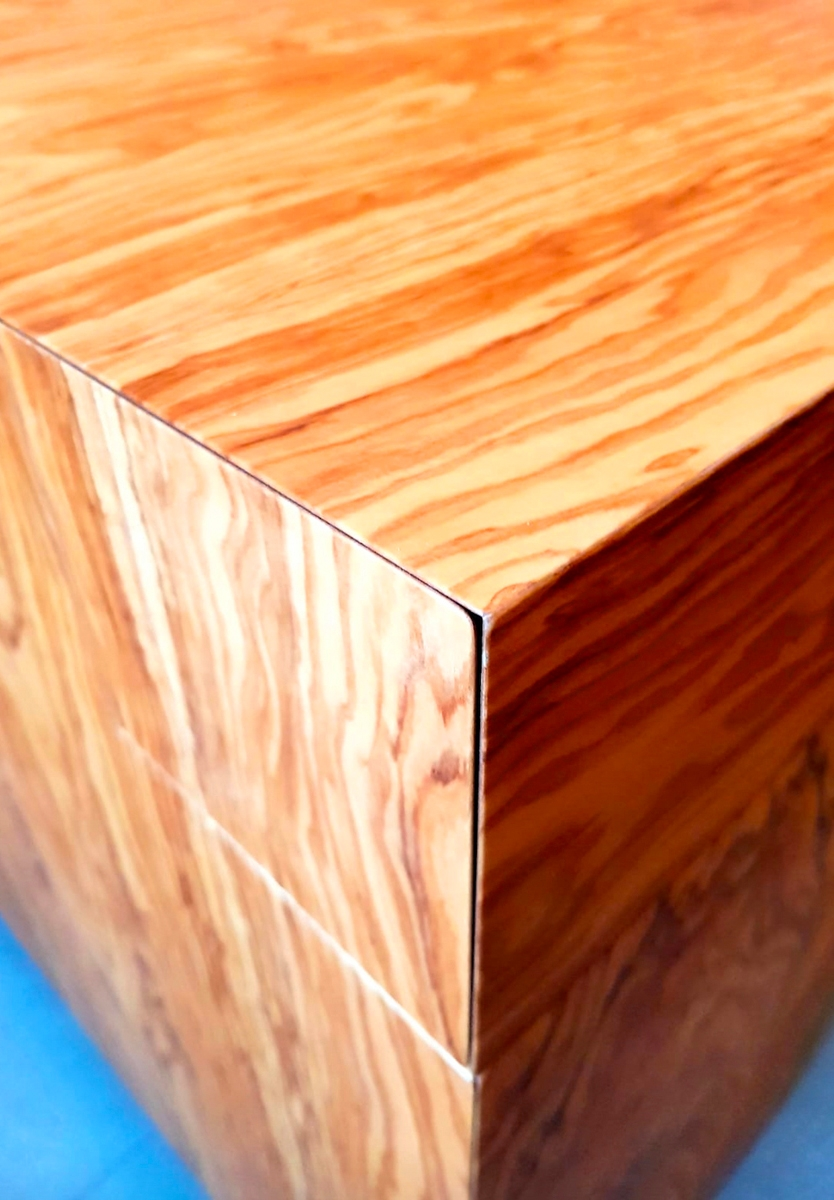 olive wood desk detail