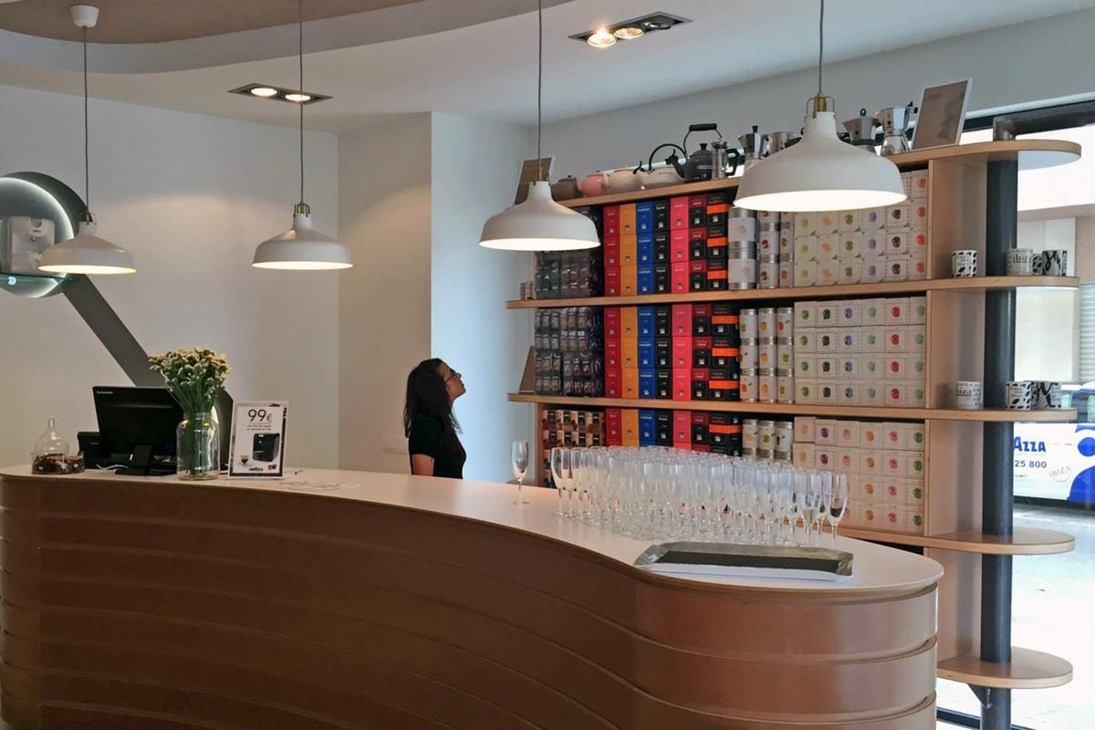 negozio caffè Ibiza zoom bancone