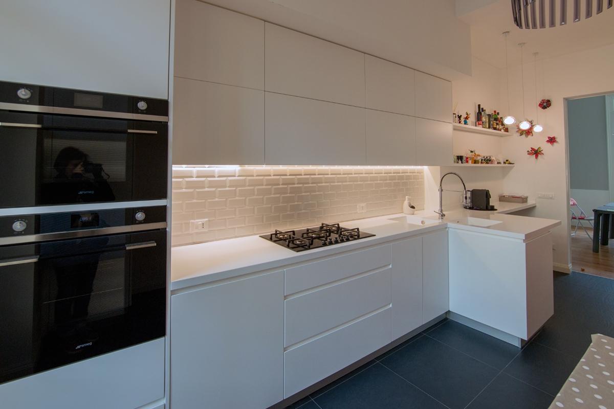 cucina total white contemporanea