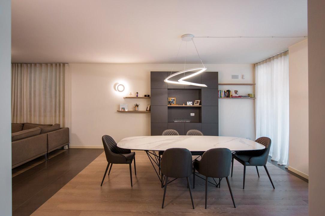 appartamento Bergamo essenziale contemporaneo zona giorno 01