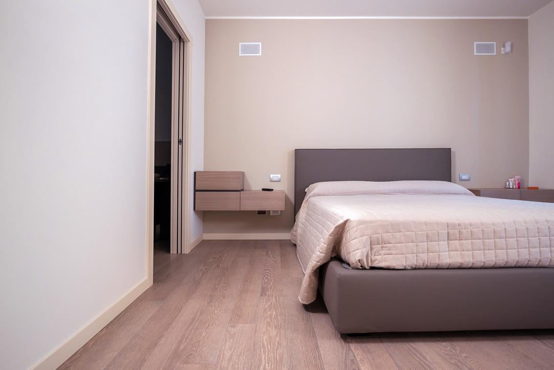appartamento Bergamo essenziale contemporaneo camera 03