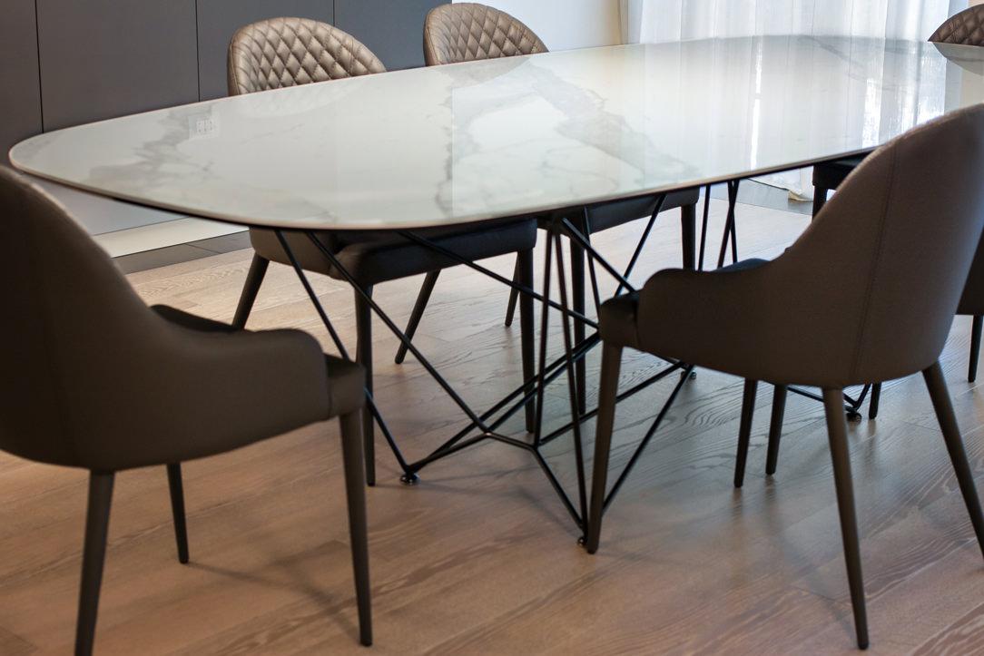 appartamento Bergamo dettaglio tavolo