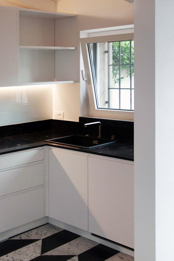 windows view kitchen