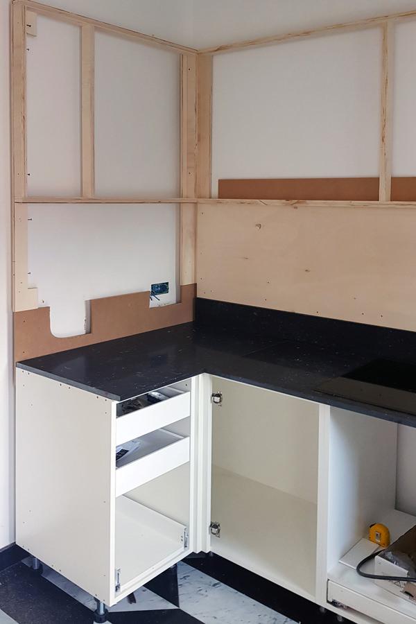 assembly phase Minimal kitchen Verona 01