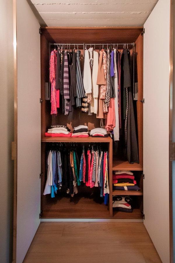 Modulor internal configuration wardrobe woman