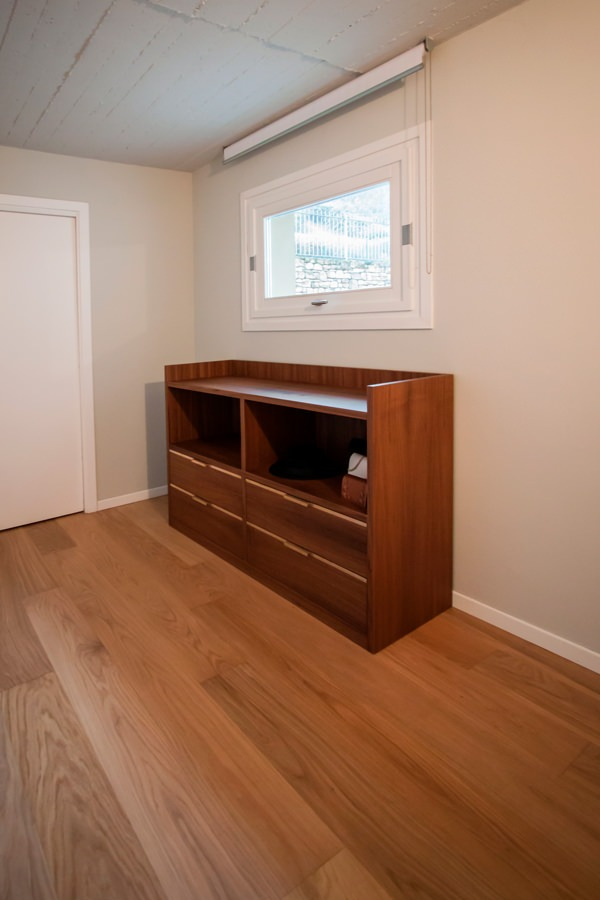 chest of drawers side view