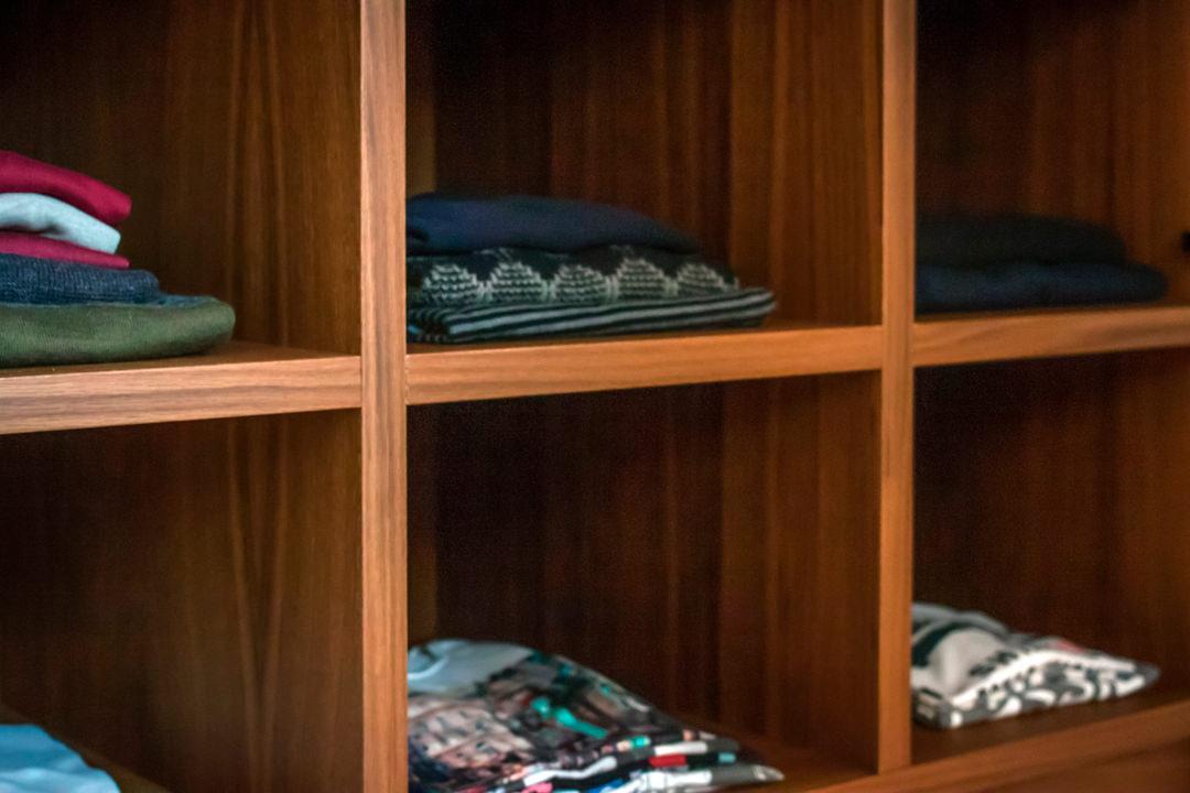 internal configuration wardrobe man shelves detail