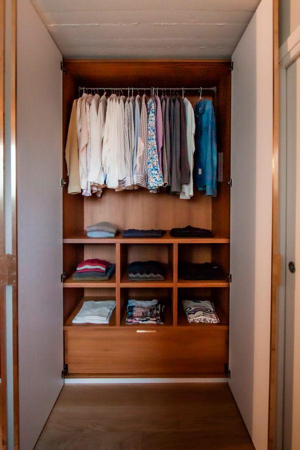 Modulor internal configuration wardrobe man