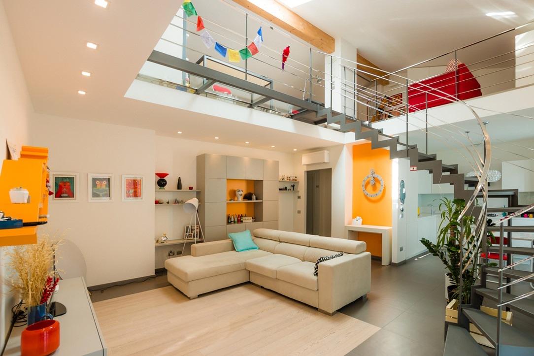 casa con scala aerea
