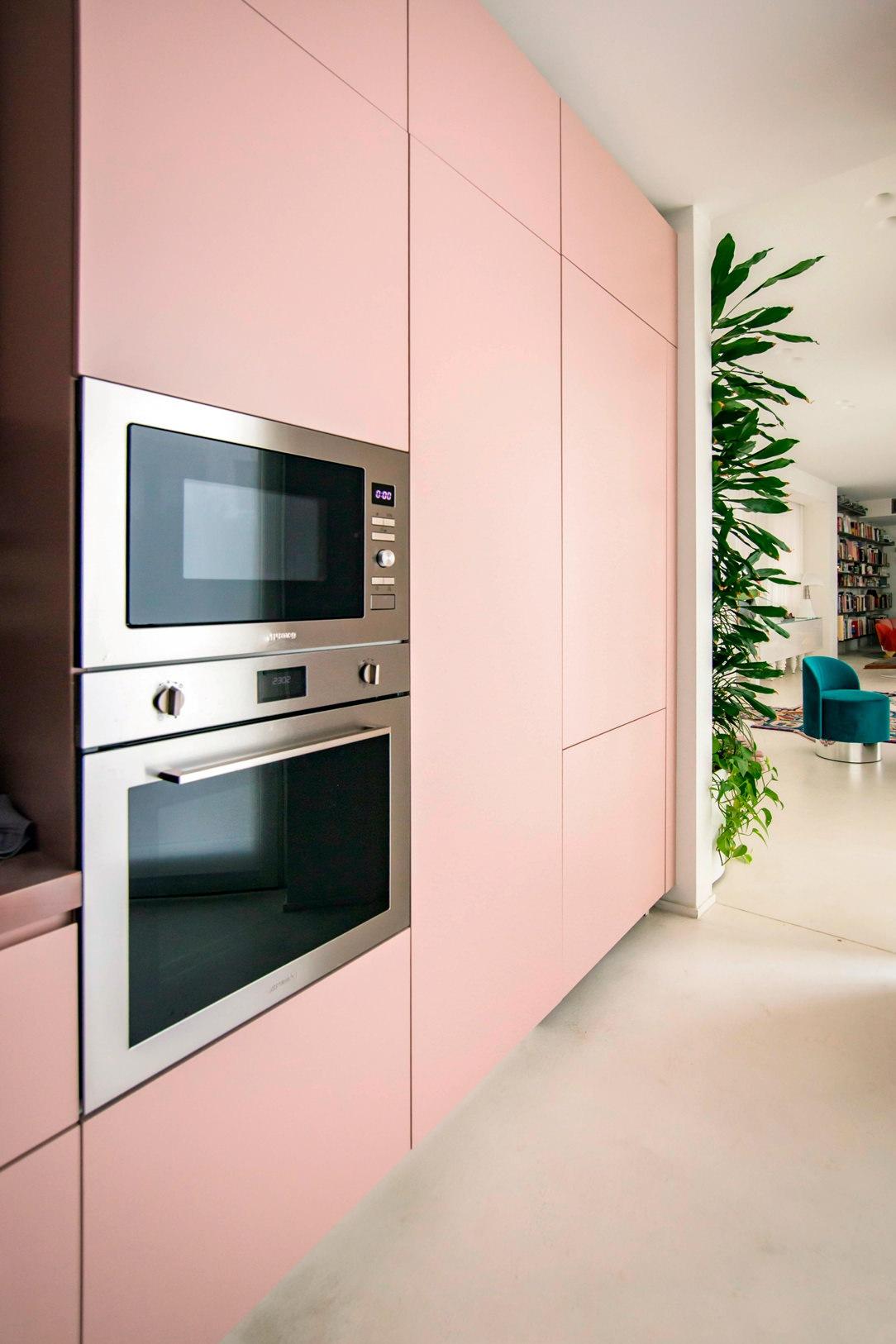 colonna forni cucina ante rosa