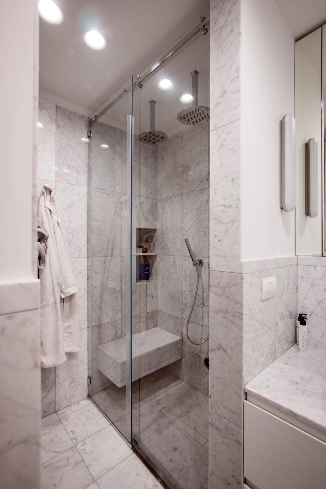 doccia-cristallo-bagno-marmo