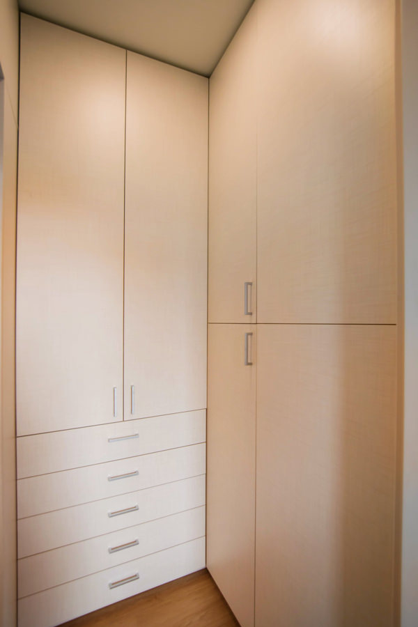 equipped-anteroom-service-cabinet