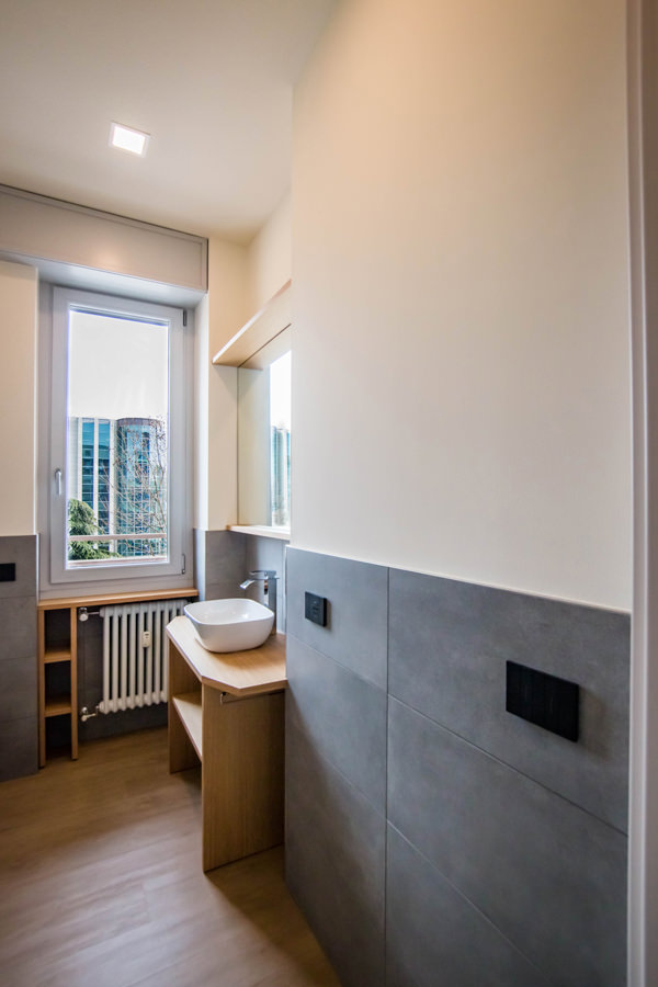 bagno-monolocale-milano-ottimizzare-spazi