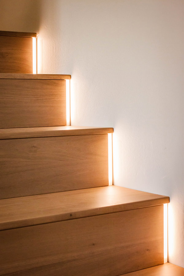 detail-LED-light-stairs