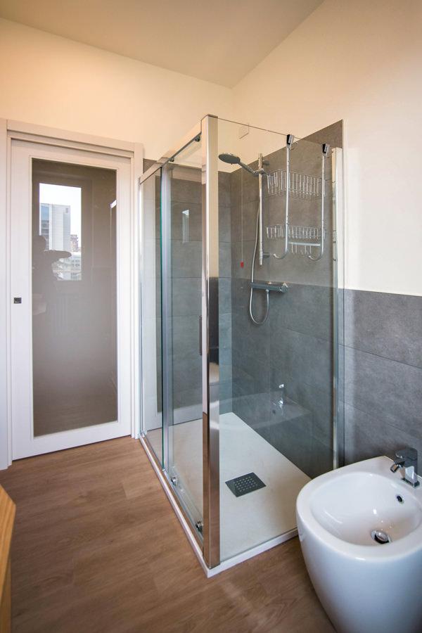 doccia-vetro-bagno-contemporaneo-grigio
