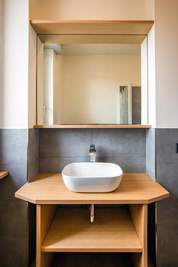 mobile-sagomato-bagno-legno