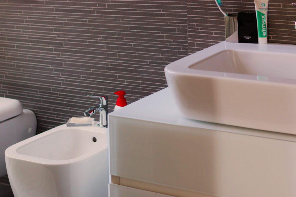 dettagli mobile bagno lacobel
