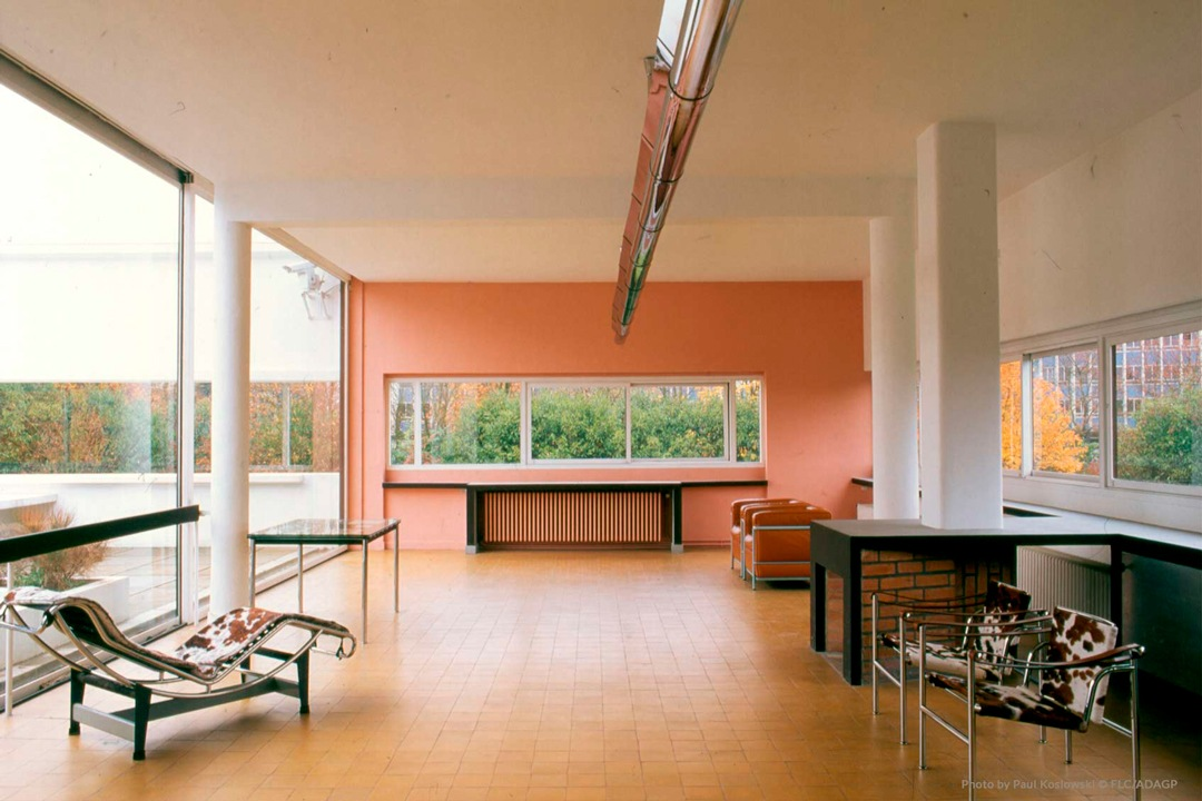 Villa-Savoye-interior-Le-Corbusier