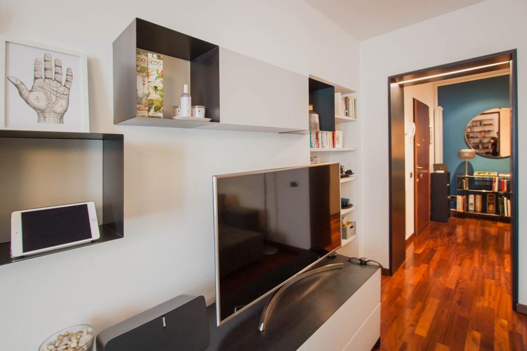 dettagli-ferro-mobile-TV-portale-ingresso
