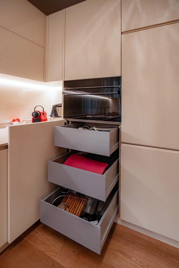anta cucina color crema cassetti interni alluminio