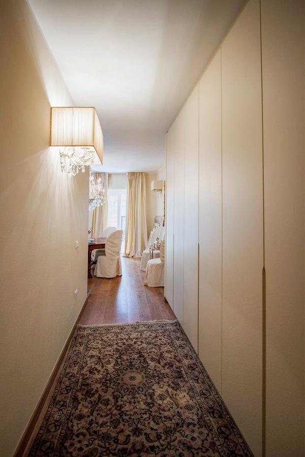 mobile corridoio ingresso color crema