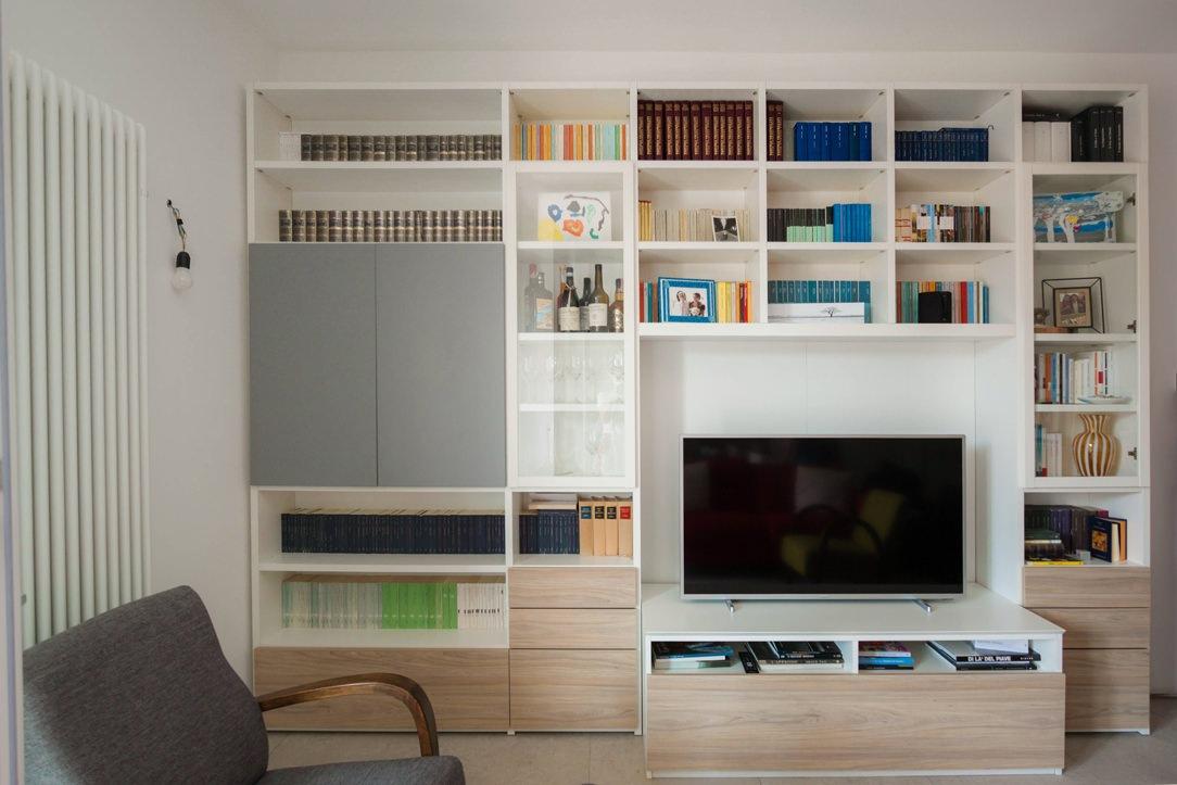 mobile-TV zona giorno fronte cassetti laminato legno