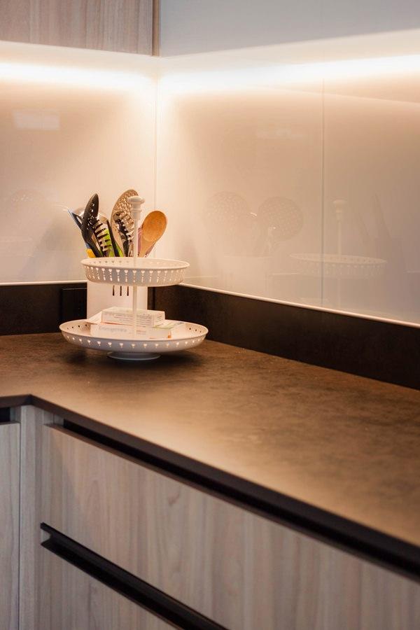 piano cucina dekton milar industrial alzata lacobel bianco