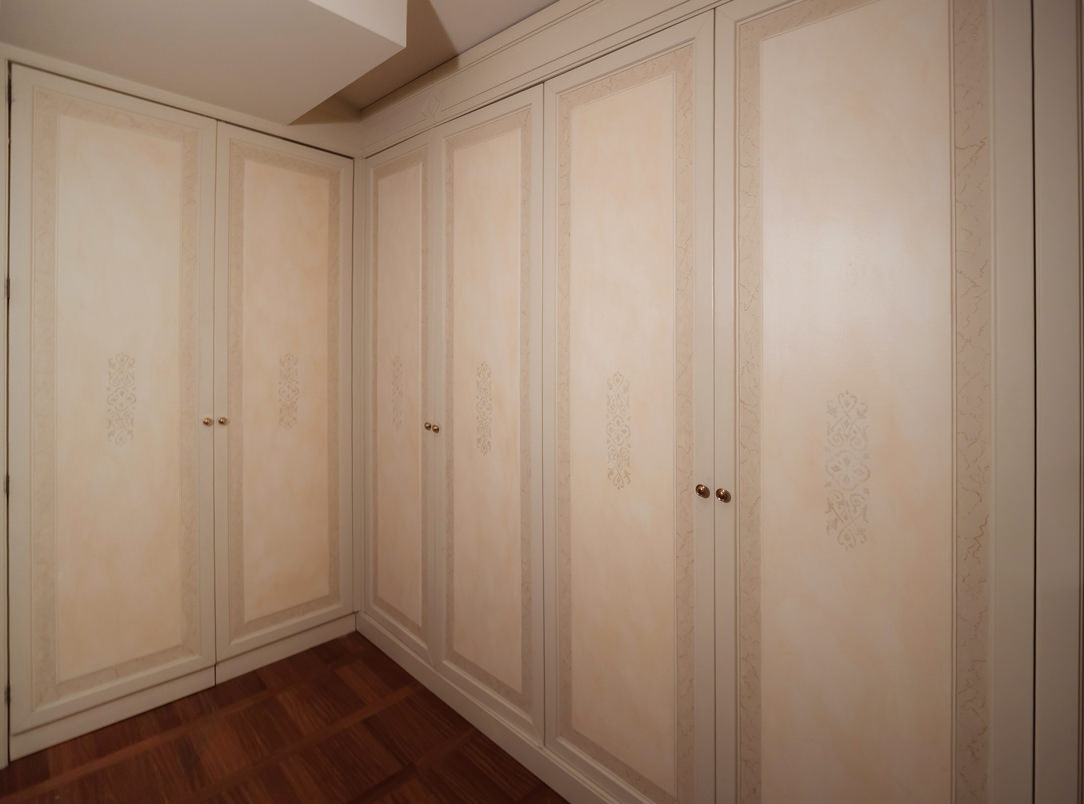 classic style wardrobes decorated cream colored doors