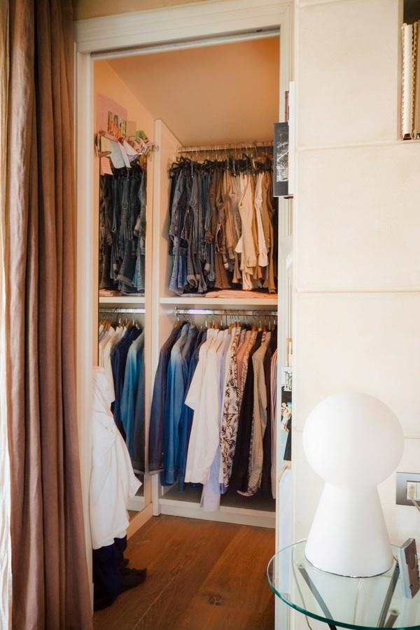walk-in closet retro bed classic contemporary style