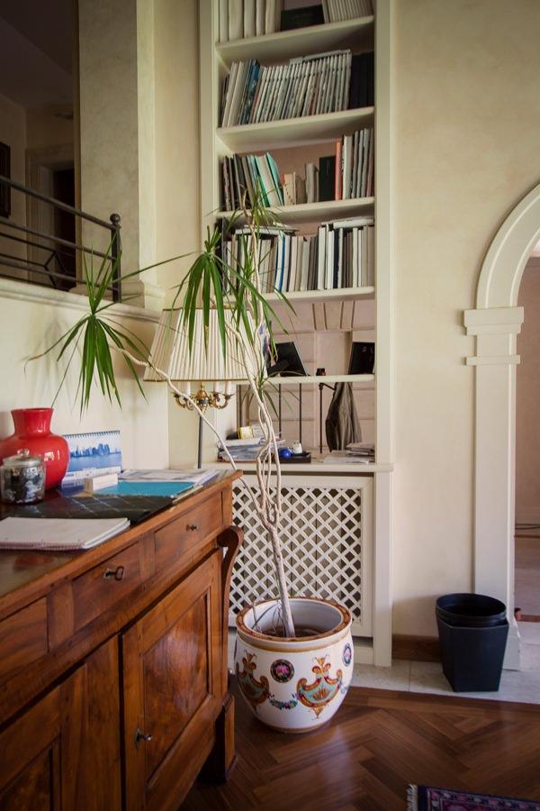 details equipped windows bookshelves wooden furniture