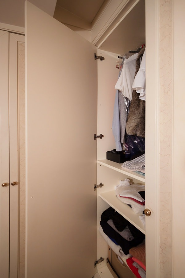 classic style wardrobes interior