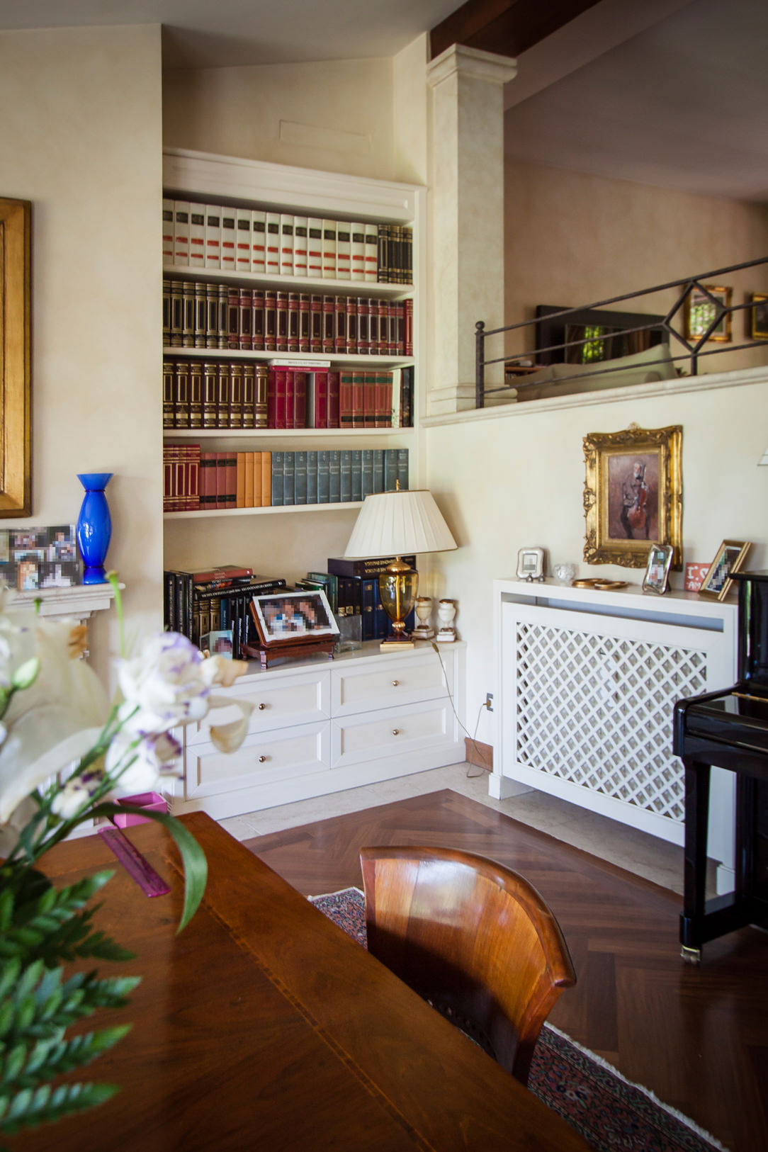 living room furniture classic niche bookcase